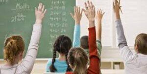 bambini che insegnano